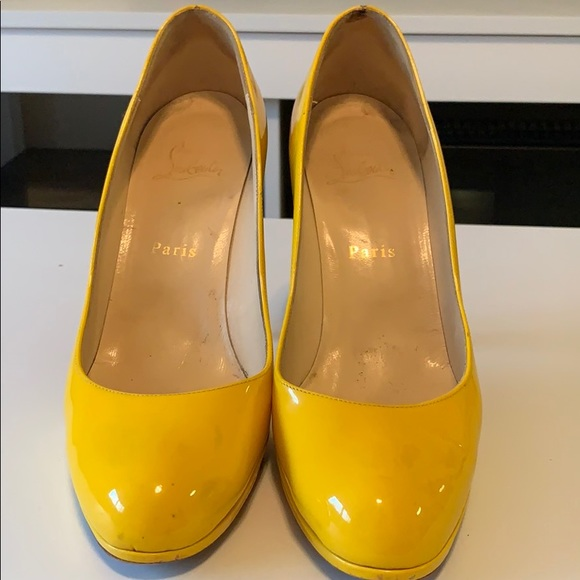 on sale 373ca 057cc Louboutin Yellow pumps